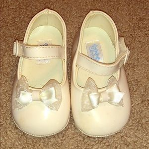 Dress shoes- size 3 toddler